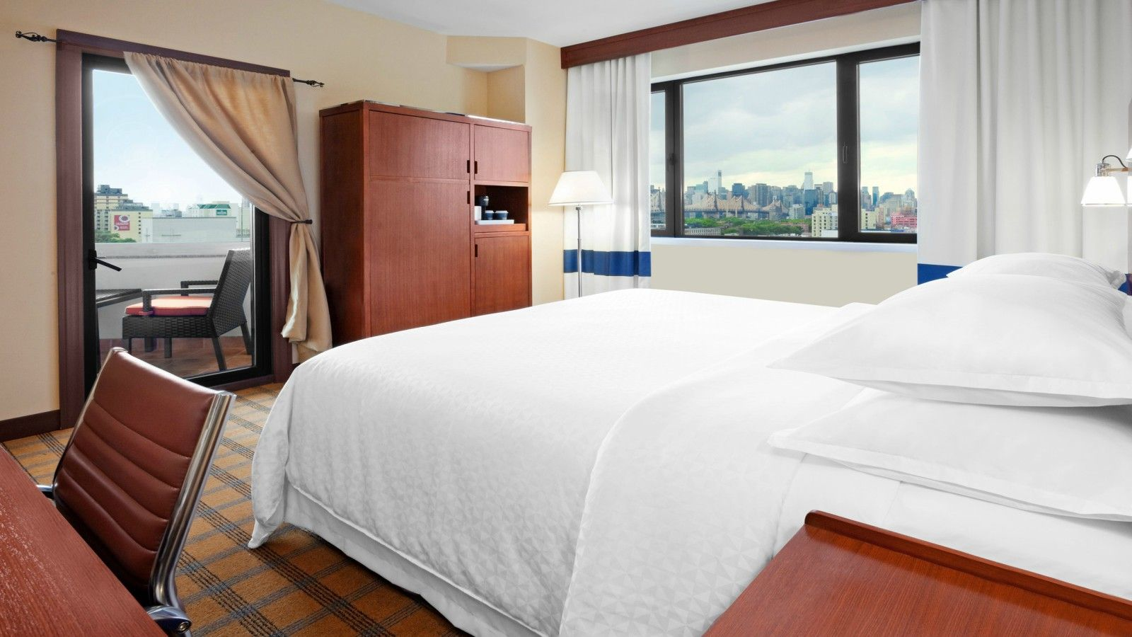 Long Island City Accommodations - Accessible Room